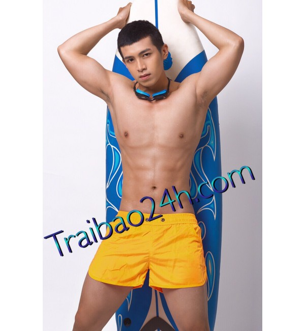 Mã số 05 menly cao 1m78 nặng 67kg hàng 19 cm top or bot massage giỏi phục vụ nhiệt tình ngoan