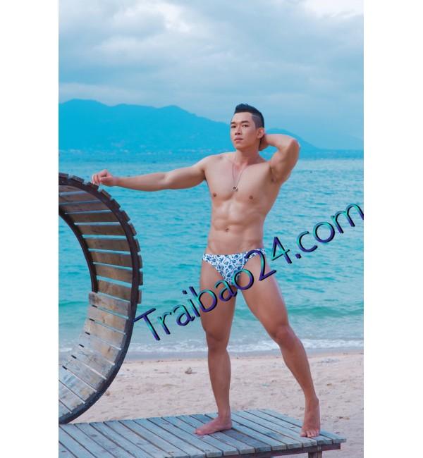 Mã số 06 menly cao 1m78 nặng 72kg  hàng 21 cm top or bot massage giỏi phục vụ nhiệt tình rất ngoan