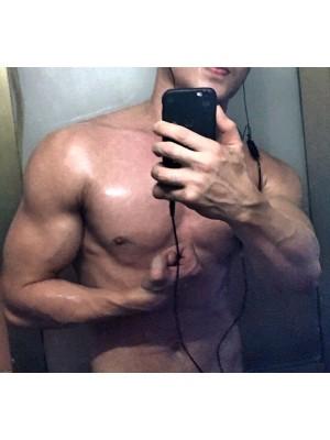 Mã số 589 trai thẳng body gym đang ở hà nội
